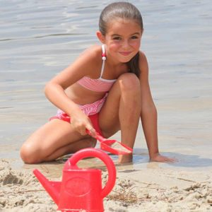 depositphotos_9058885-stock-photo-little-girl-digging-on-the